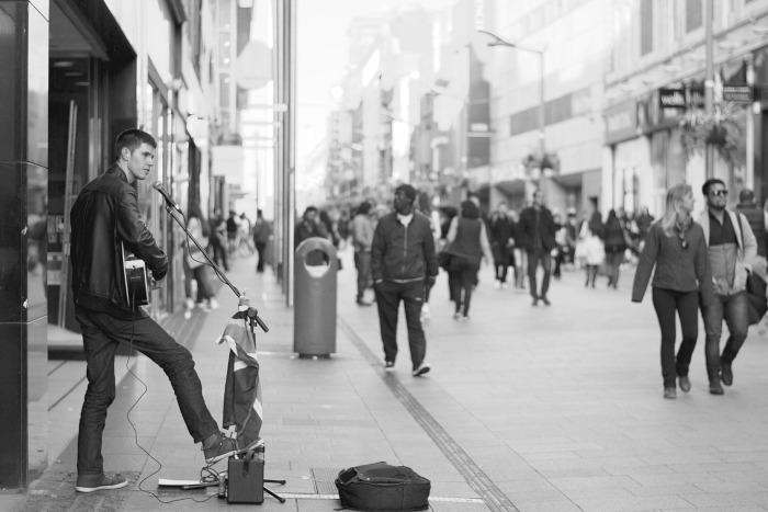 Fußgänger in der Stadt: Das Bild der Zukunft.